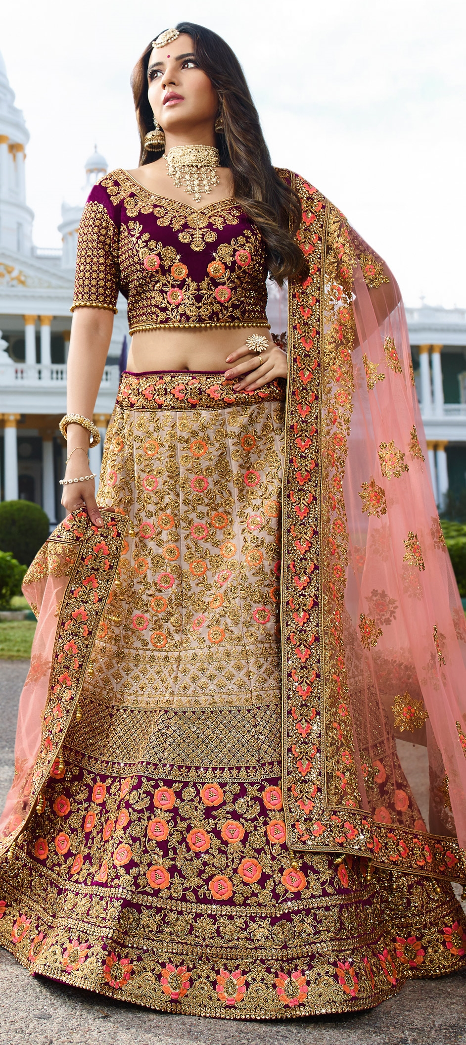 BE THE MOST BEAUTIFUL BRIDE WITH THESE INDIAN WEDDING LEHENGAS