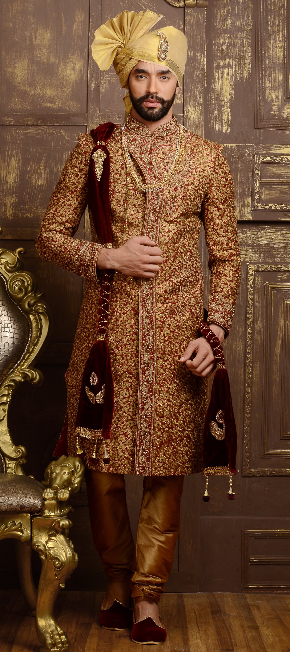 WHY ARE WEDDING SHERWANIS THE HOT FAVOURITE AMONGST THE MEN?