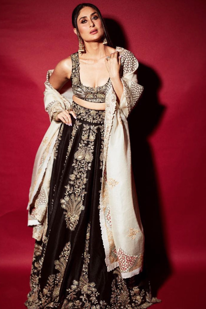 Kareena Kapoor Khan black lehenga