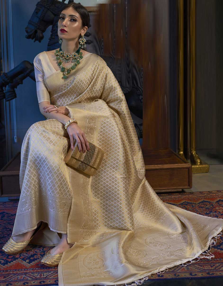 Tips to Look Stylish in a Silk Saree